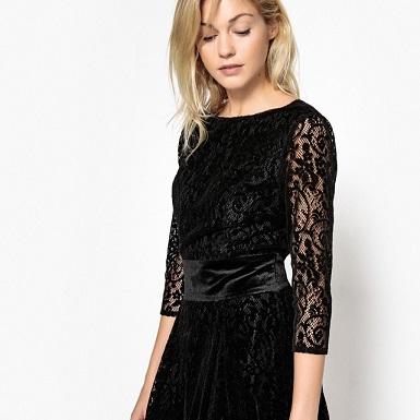 Vestido De Encaje Negro Con Cinturón De Terciopelo 55